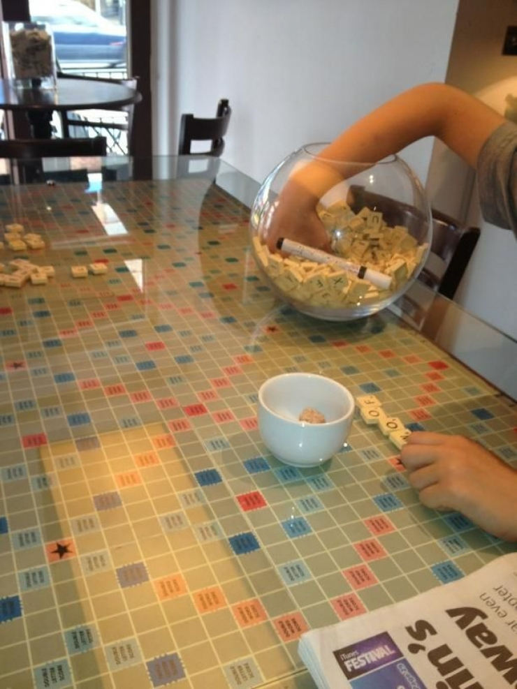 table_scrabble